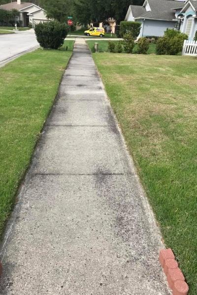 HeatWave Pressure Washing - HOA - Sidewalk dirty